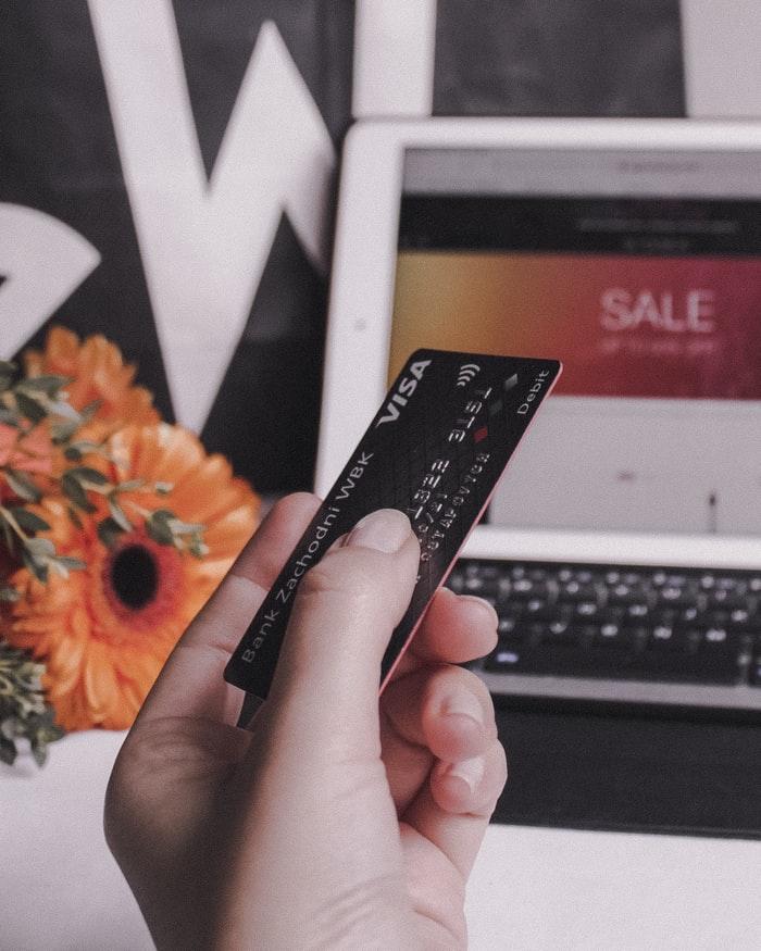 Les internautes français réalisent de plus en plus d'achat depuis leur smartphone